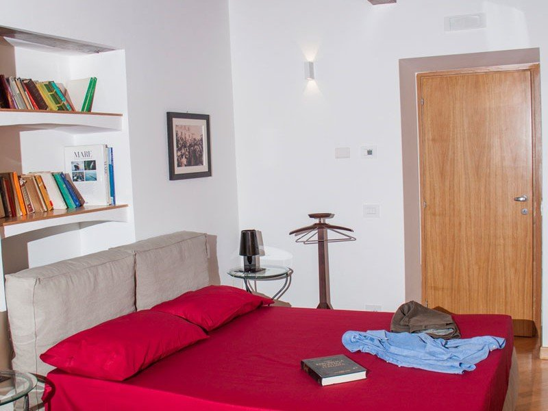 Stylish room with parquet floor full of amenities and details - Italy Cooking Stay