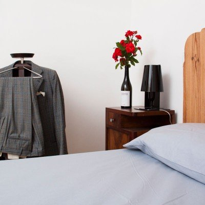 Luxury room with Italian contemporary design objects - 5-star accommodation in Italy