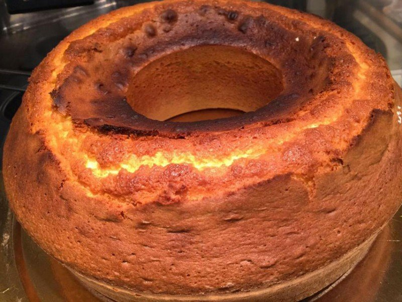How to make a perfect Ciambellone for breakfast - Culinary stay in Central Italy