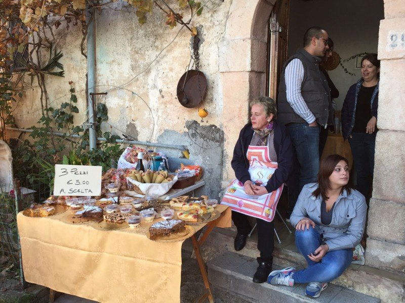 Taste the best Italian home-made desserts while visiting old towns - Cooking Holidays in Italy