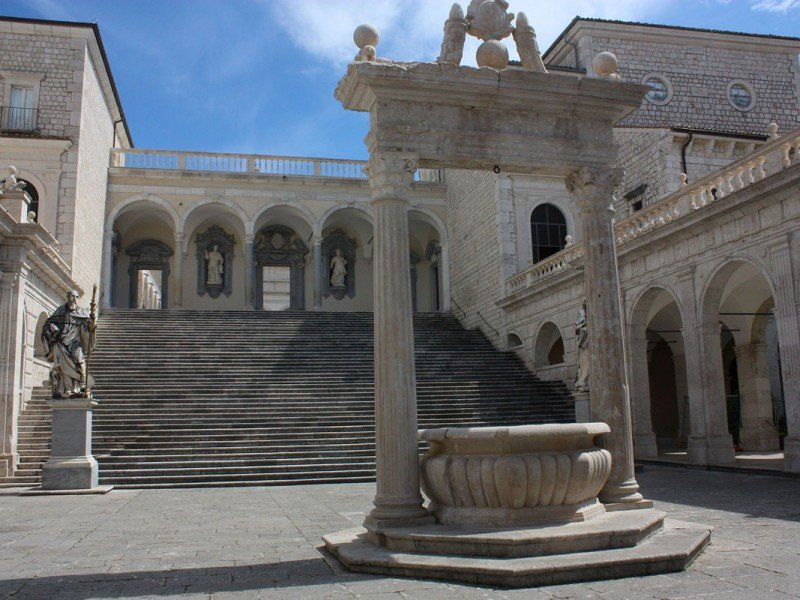 Visit Montecassino abbey with us, reconstructed after the II World War - Art and History in Italy