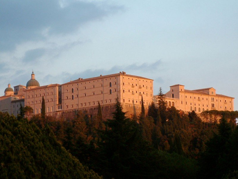 Guided tours to Montecassino abbey, impacted during the II World War - History and Culture in Italy